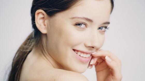 How can I lighten my skin naturally?