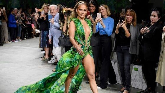 Jennifer has very sexy legs