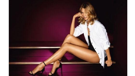 Karlie Kloss's sexy legs